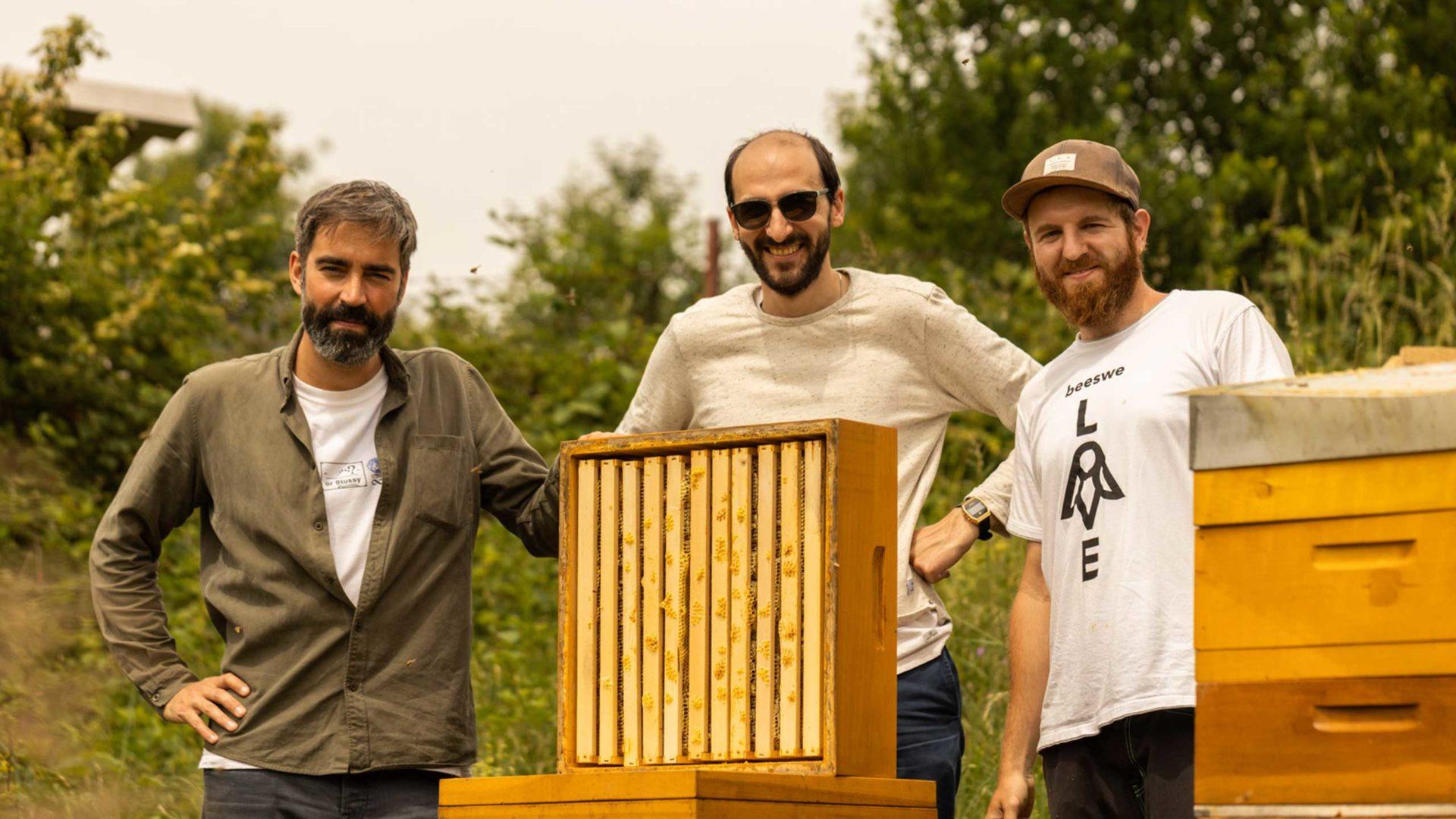 Ausflug zu unserem Bienenvolk