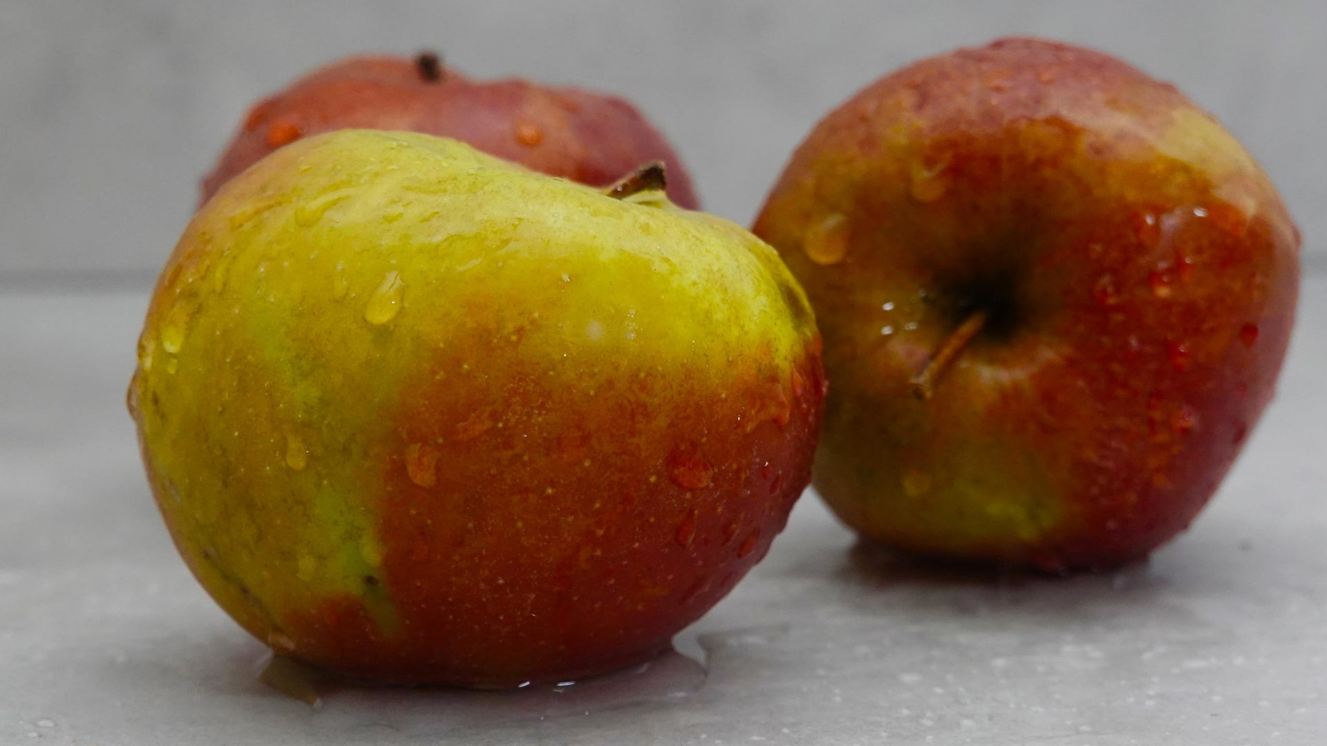 Nasse Äpfel